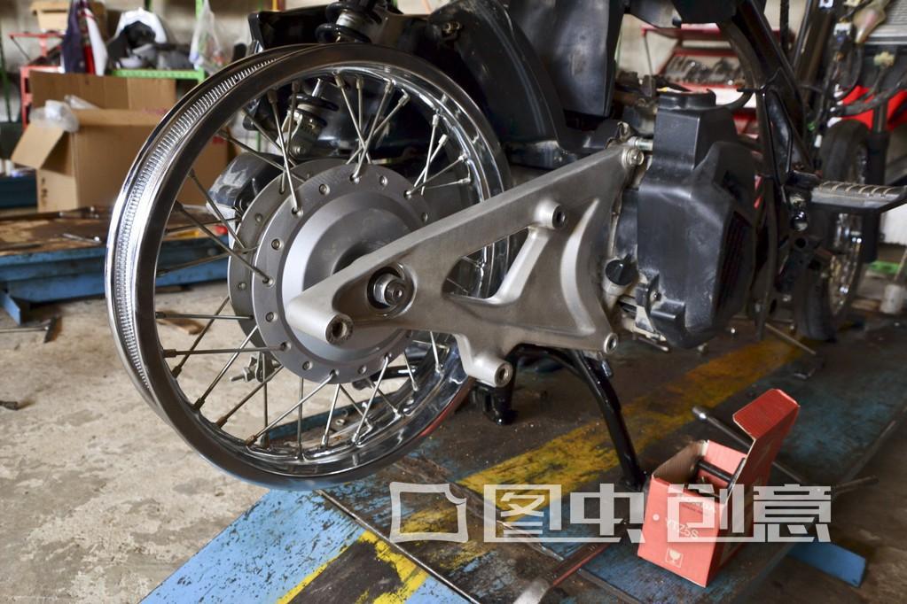 摩托车副轴漏油怎么办 应该怎么解决图片