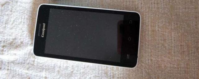 手机摔在地上黑屏开不了机怎么办? 方法如下图片
