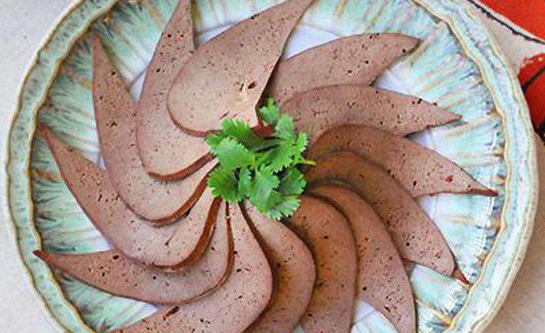 坐月子吃猪肝的功效与作用 坐月子吃猪肝的功效与作用是什么图片