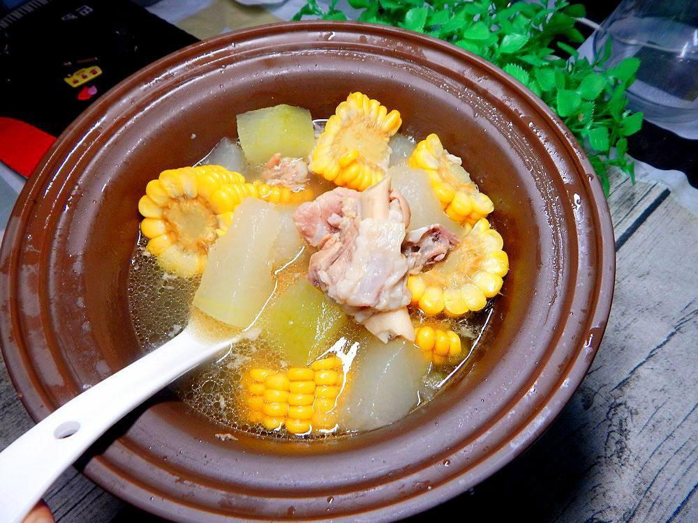 冬瓜玉米排骨汤怎么做 冬瓜玉米排骨汤做法步骤图片