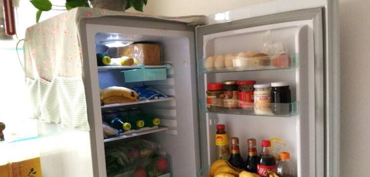 冰箱存奶怎么放 冰箱存奶如何存放图片