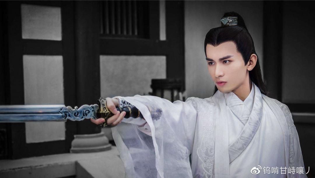 诸璇玑的真实身份 原来他前世有这样威武的身份图片