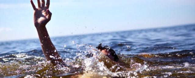 溺水时如何自救须知道