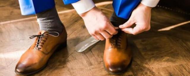 梦见买鞋试鞋是什么意思(梦见买鞋试鞋的含义)