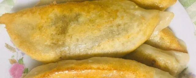 玉米面锅贴饼子的做法怎样,教学玉米面锅贴饼子的做法好吗