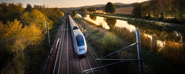 高铁是怎么开动的;对于高铁是怎么开动的呢介绍